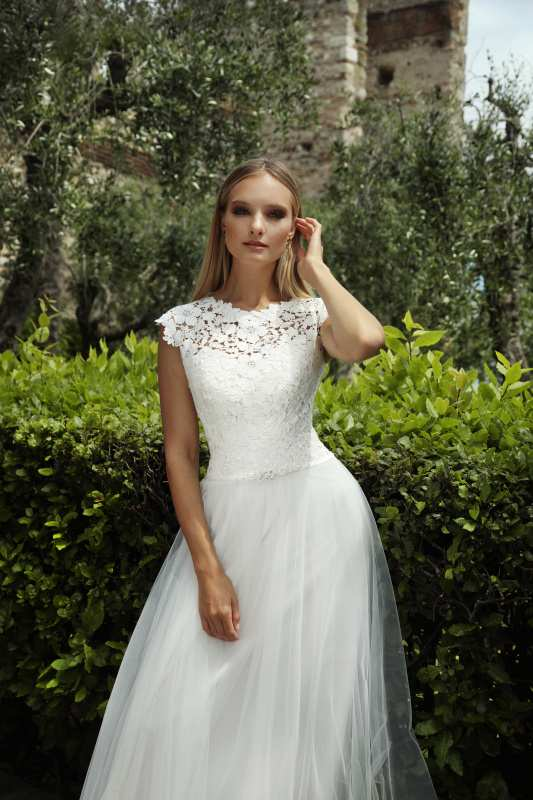 Gala Suknie ślubne Z Kolekcji Sea Perl White Lake Na Rok 2019
